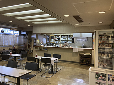 Photo: Takamatsu Joint Government Building Cafeteria Cafe