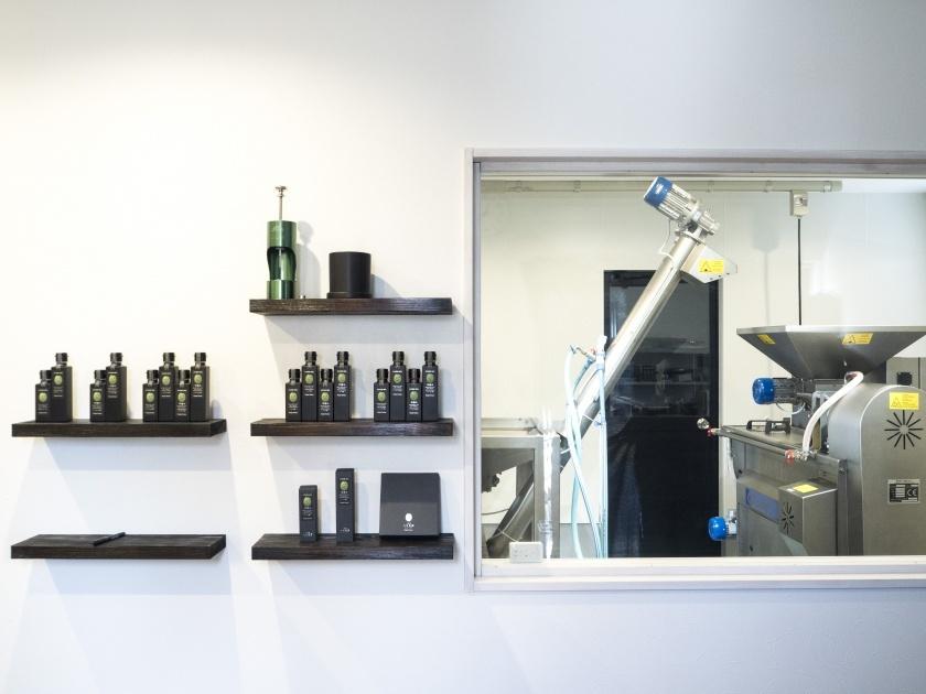 壁掛式產品和製造機器