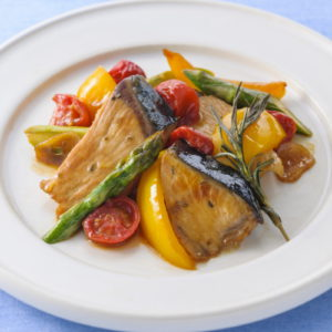 Herb teriyaki with olive yellowtail and colorful vegetables