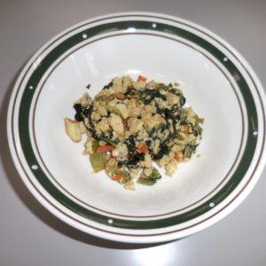吃和煮蔬菜和豆腐