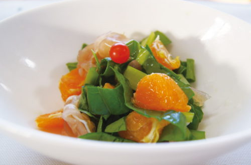 Eat vegetables and mandarin orange salad