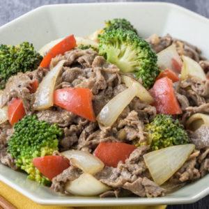 中国炒橄榄牛肉和西兰花