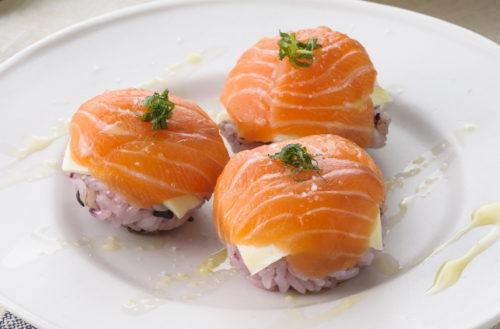 赞岐Samon和奶酪Temari寿司