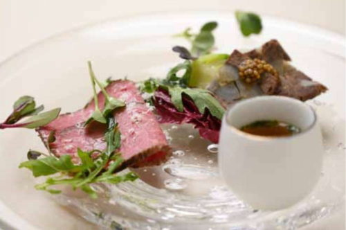オリーブ牛ウデ肉(トウガラシ)のローストビーフ
